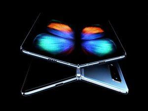 Galaxy Fold, telefonul pliabil de la Samsung, a fost anunţat